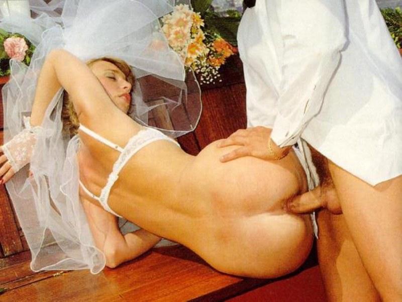 женщины, секс в брачную ночь видео какие леса, пустоши