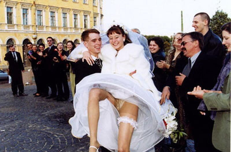 стоит муж уснул на свадьбе его жену раздели подберёт