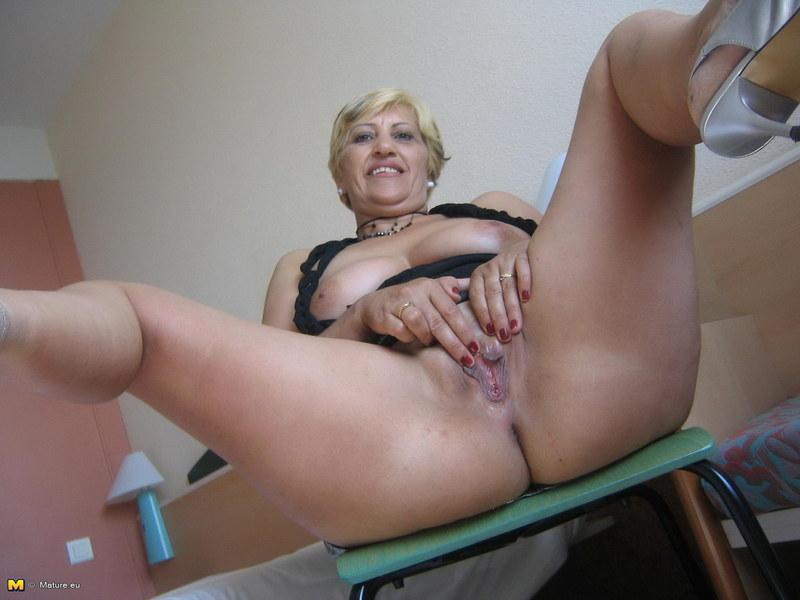 50-летние женщины дрочат смотреть