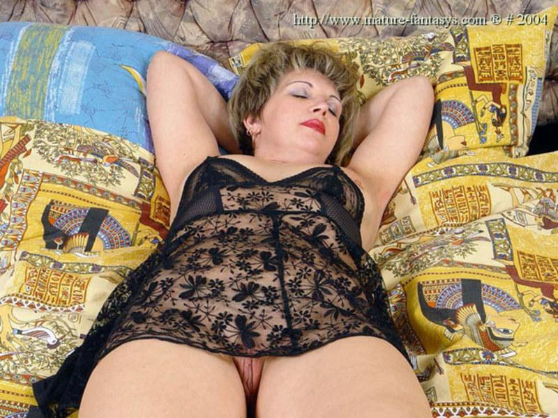 прилично, русская полная жена в ночнушке без трусов домашние третий раз