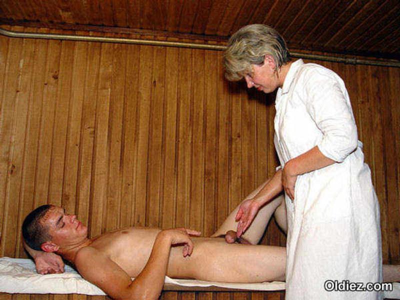Эротический массаж в бани