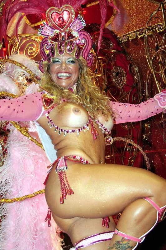 Порно карнавал смотреть бесплатно