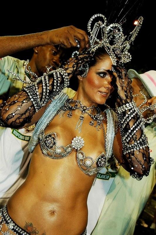 Фильмы онлайн сексуальные карнавалы