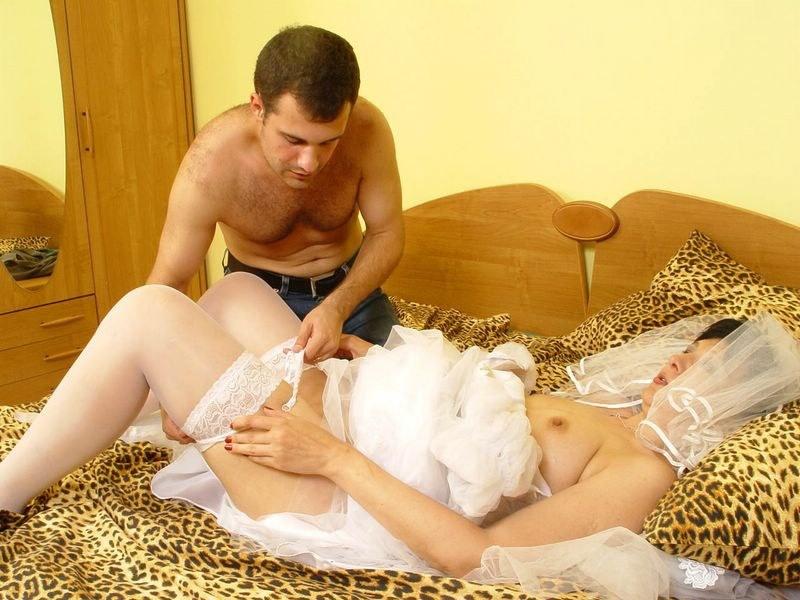 первая ночь невесты порнорассказ