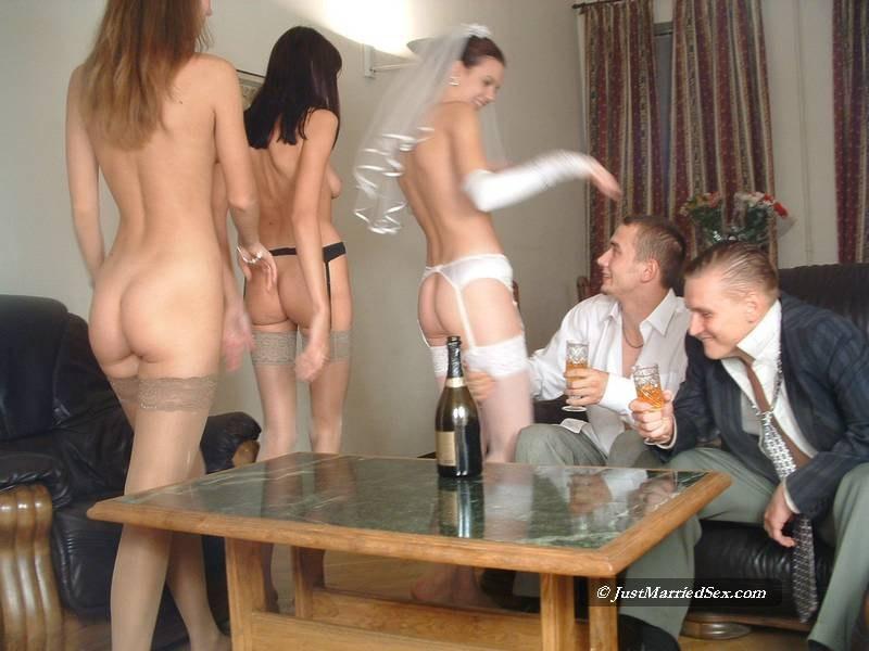 Секс видео невесты с гостями
