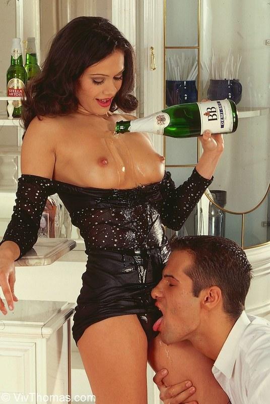 Мама С Дядей В Ванной Пьют Шампанское Секс