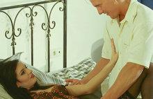 Ухоженная сука в корсете трахается с любовником