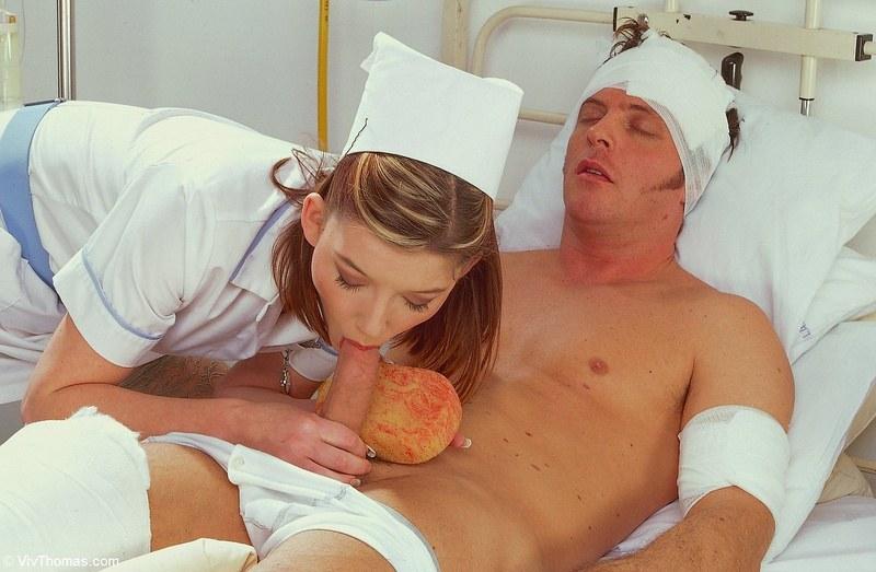 медсестра нашла стояк и отсосала пациенту в палате