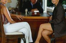 Во время собеседование босс трахнул двух телок
