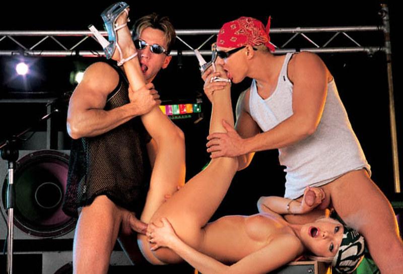 Особое приватное эротическое порно выступление перед боссом