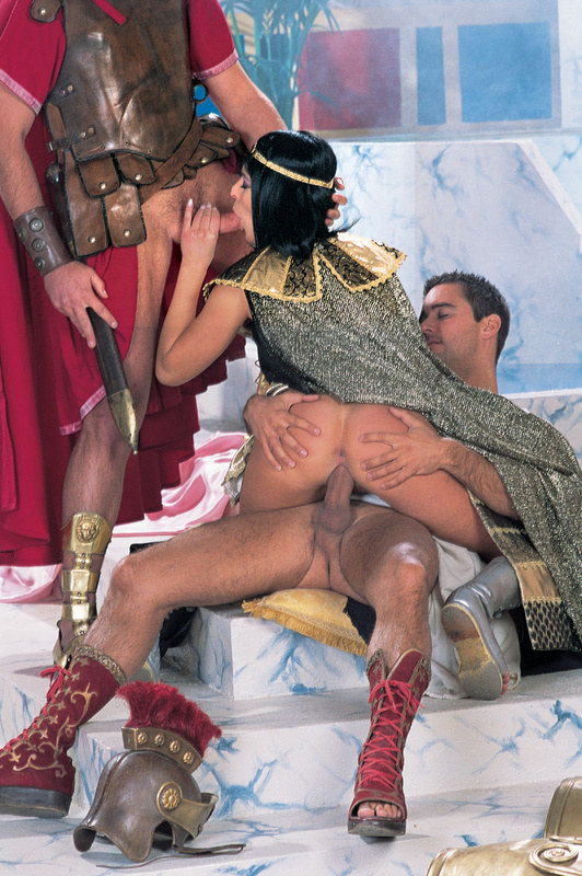 Мягкое порно клеопатра