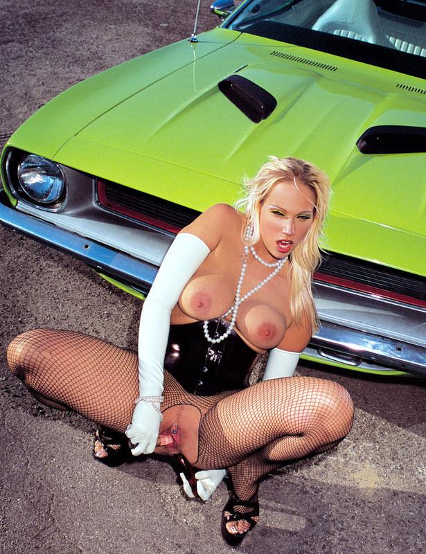 Секс в авто мастерской
