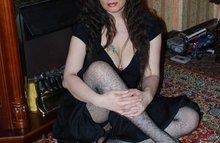 Прекрасные ножки в черных чулочках