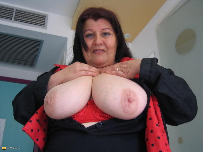 большие бабушки с большими сиськами фото