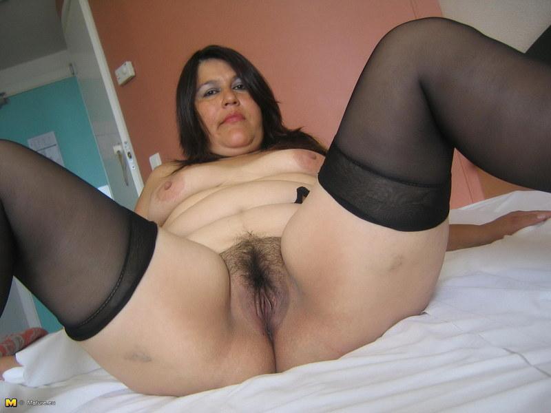 волосатые ляжки мамы порнорассказ