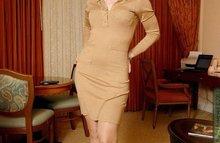 Сексуальная секретарша в прекрасной одежде