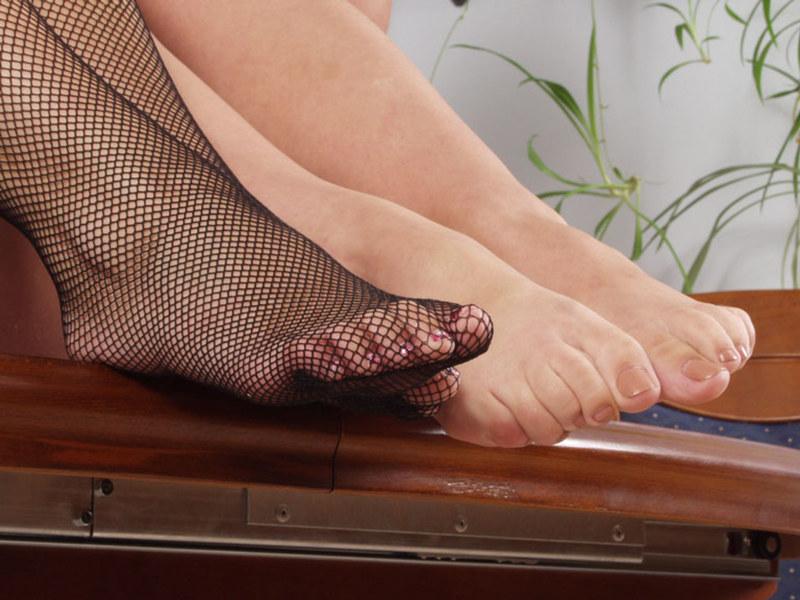 Фото женские ступни в колготках 40197 фотография