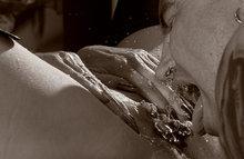 Госпожа кормит своего раба говном