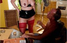 Старичок трахает зрелую даму