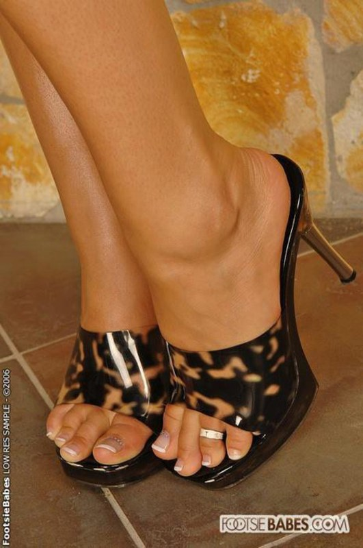"beautiful feet photo 002 в""– 10915"
