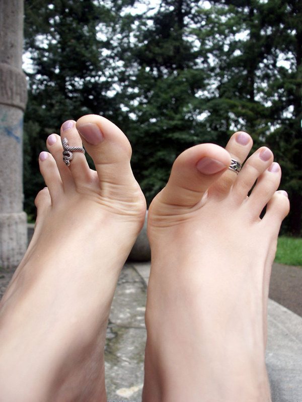 zhenskie-palchiki-na-nogah