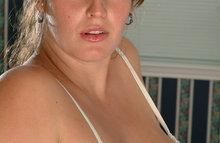 У беременной женщины волосатый анус и лобок