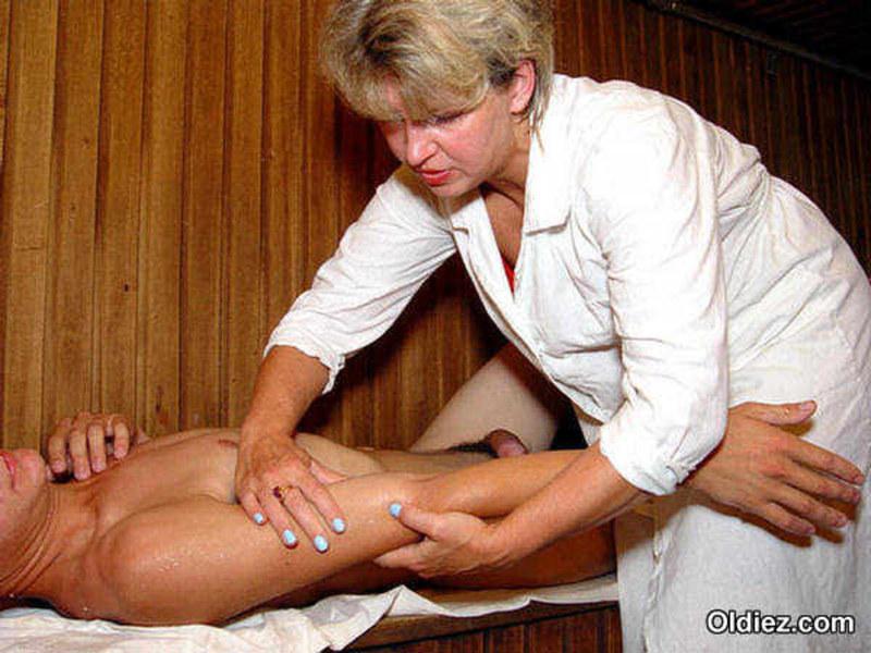 Эротический массаж зрелых женщин понял