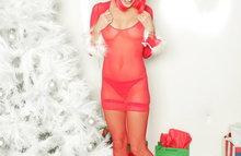 Красавица в красном эротическом костюме