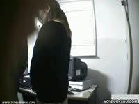 Две девушки оказываются в кабинете