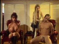 Госпожа заставляет мужа трахать грудастую жену