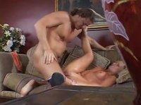 Сидела и дрочила перед мужиком, который сдержаться не смог