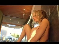 Брианна снимается в лесбийском порно и сольных роликах