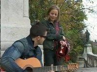Секс с уличным гитаристом дома