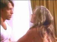 Залезет к любовнице в ванну, чтобы по-трахаться с ней