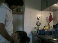 На кухоньке немцы скромный секс устроили