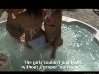 Четыре лесбиянки в джакузи под открытым небом