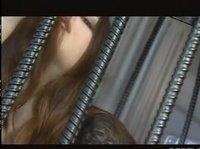 Опасная сексуальная преступница дрочит за решеткой