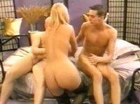 Секс двух самцов с фотомоделью