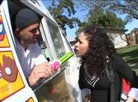 Заманил телку в фургон с мороженым