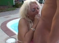 Полчасика даму сексом порадует