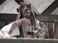 Сучка дрочит арабу член