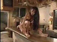 Запоминающийся секс в Таиланде на барной стойке