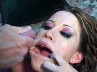 Кудрявый мужик оттрахал девку и кончил в рот