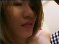 Одна азиатка во вторую влюблена
