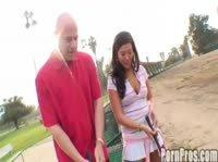 Игра в гольф иногда удовлетворяет