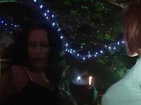Пьяные сучки на вечеринке