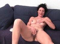 Старые женщины мастурбируют узкие промежности