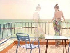 Молодые лесбиянки развлекаются в отеле в Турции