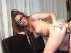 Согрел сексуальную девицу сексом
