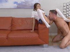 Папаша трахает сексуальную дочь упругим елдаком